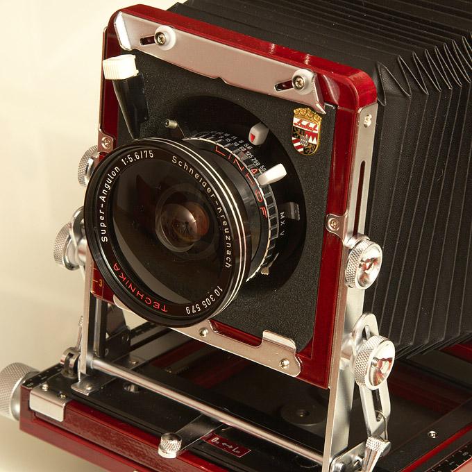 Super Angulon 5,6/75 lens on a Tachihara 4x5 camera